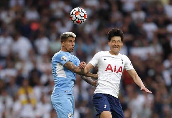 Son Heung-min lập siêu phẩm giúp Tottenham có 3 điểm